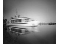 Indul a járat (Pákozd, 2014. június) (Papír lyukkamera, Foma 100 B&W film)