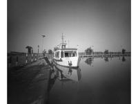 Kikötő (Pákozd, 2014. június) (Papír lyukkamera, Foma 100 B&W film)