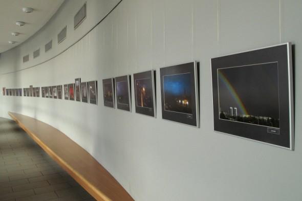 Gondosan előkészített kiállítás (Foto-Graf Fotográfiai és Grafikai Stúdió - Vajda János)
