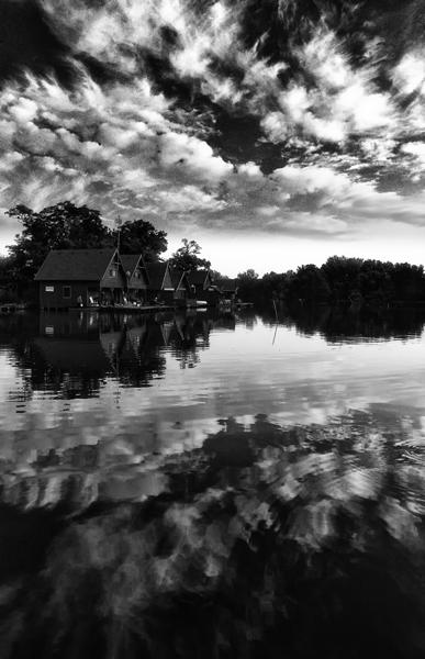 Nyárbúcsúztató vízpart (Őszeleji hangulat a tóparton.)