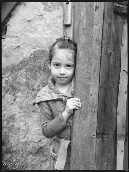 Kincső (Mamiya 645, Kodak Tri-X 400)