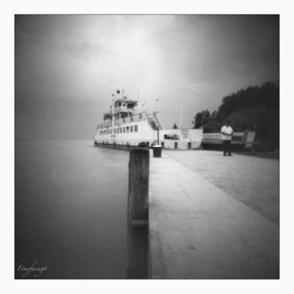 Balaton (Tihany, 2014. május 25.) (Papír lyukkamera, B&W 100 film)