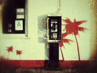 Phone on the beach (Los Angeles, 2011. november 3.)