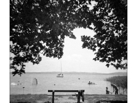 Balatoni hangulat - Lomográf tájkép - Diana F+ -szal filmre készült hagyományos tájkép.